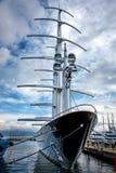 马达风帆游艇 免版税图库摄影