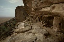 马里、非洲- Dogon村庄和典型的泥大厦 免版税库存照片