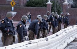 马里兰坚持KKK集会的状态警察 免版税图库摄影