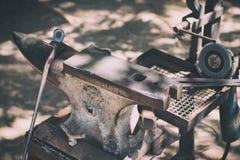 马钉马掌铁匠工具 图库摄影
