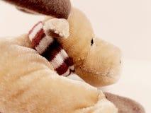 驯鹿玩具童年圣诞节鹿假日长毛绒软的冬天 免版税库存照片