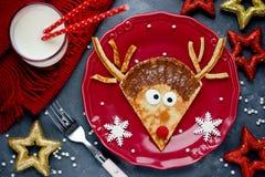 驯鹿薄煎饼圣诞节早餐 库存照片