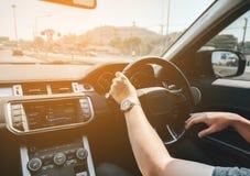 驱动于提供的视图的汽车copyspace 免版税库存照片