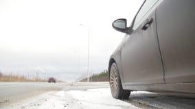 驱动冬天 汽车麻烦 在路的一个汽车身分 股票视频