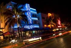 驱动旅馆迈阿密晚上海洋场面 库存图片