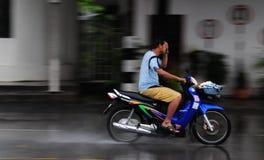 驱动眼睛的盖子他的星期一摩托车骑&# 库存图片