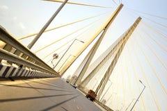 驱动著名连结海运worli的bandra桥梁 图库摄影