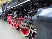 驱动轮和中国政府铁路使用的1935个蒸汽机车KF类的结合的旁边标尺 图库摄影