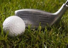 驱动高尔夫球 免版税图库摄影