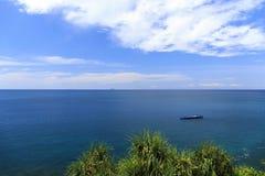 驳船在安达曼海 库存图片