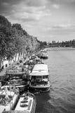 驳船居住的巴黎围网 免版税库存照片
