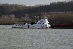 驳船拖轮 库存图片