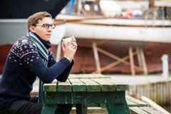 驾游艇者用咖啡 免版税库存图片