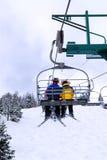 驾空滑车滑雪者 图库摄影