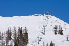 驾空滑车滑雪 库存照片