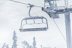 驾空滑车冬天雪冰霜 免版税库存照片
