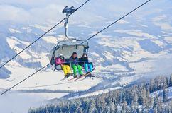 驾空滑车 奥地利手段schladming滑雪 奥地利 库存图片