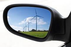 驾车电镜子后视图风车 库存图片