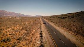 驾车通过沙漠风景,空中 股票视频