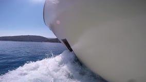 驾驶从边的游艇英尺长度 股票视频