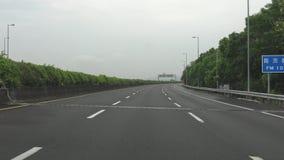 驾驶向北的台湾,POV,4K的高速公路 股票录像