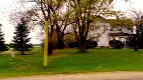 驾驶在乡下公路的汽车 股票视频