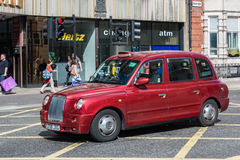 驾驶在伦敦的小室 免版税库存照片
