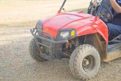 驾驶在泰国跑马场的ATV 免版税库存图片