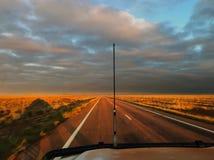 驾驶在澳洲内地澳大利亚 免版税库存照片