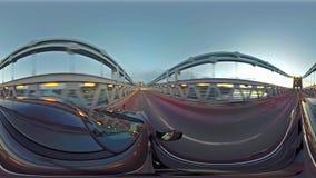 驾驶在Menai桥梁在往曼格-英国的北部威尔士 股票录像