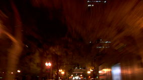 驾驶夜背面图的波特兰市 影视素材