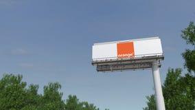 驾驶往与橙色S的广告广告牌 A 徽标 回报4K夹子的社论3D 股票录像