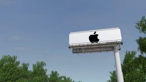 驾驶往与苹果计算机公司的广告广告牌 徽标 回报4K夹子的社论3D 影视素材