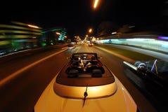 驾驶敞篷车 免版税图库摄影