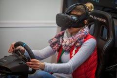 驾驶比赛的VR 免版税库存图片