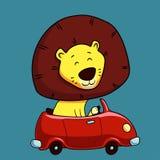 驾驶汽车的逗人喜爱的动画片狮子 免版税库存图片