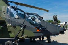 驾驶舱一只四刃状,有双发动机的攻击用直升机欧洲直升机公司老虎 库存照片