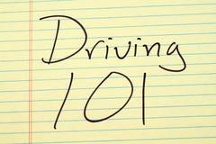 驾驶101在一本黄色便笺簿 库存图片