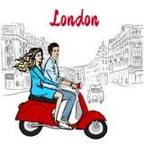 驾驶滑行车的妇女和人在伦敦 库存图片