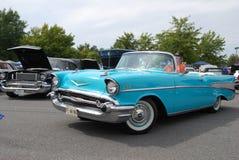 驾驶1957年薛佛列汽车的未认出的人Bel Air Co 免版税库存照片