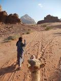 骆驼指南在瓦地伦,约旦 免版税图库摄影
