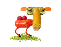 骆驼由新鲜蔬菜做成在被隔绝的背景 图库摄影