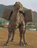 骆驼雕象在乌兰巴托 库存图片