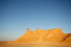 骆驼顶头岩石日落 免版税库存照片