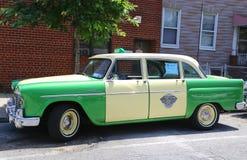 验查员马拉松出租汽车汽车由Checker Motors Corporation生产了 免版税库存照片