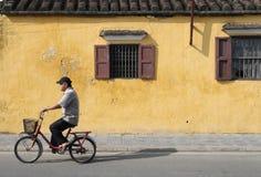 骑传统自行车的人 图库摄影