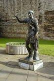 骑士古铜色雕象 库存照片