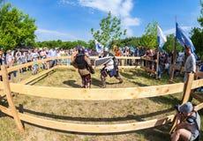 骑士战斗的历史恢复在自由节日的我 免版税图库摄影