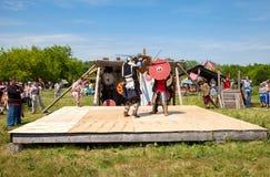 骑士战斗的历史恢复在自由节日的我 免版税库存图片