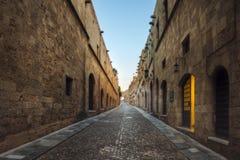骑士街道早晨 Lindos 希腊 免版税图库摄影